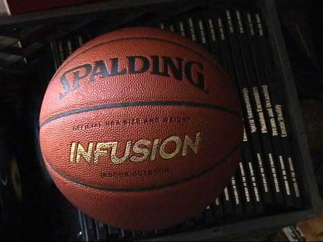 Spalding Infusion self inflating basketball